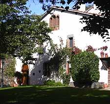 Restaurant hotel can barrina turisme montseny for Piscinas naturales montseny